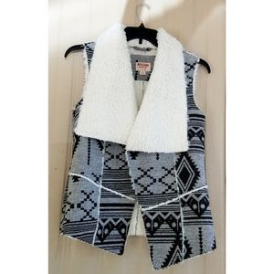 Mossimo Sherpa Lined Vest Aztec Gray Black Wool